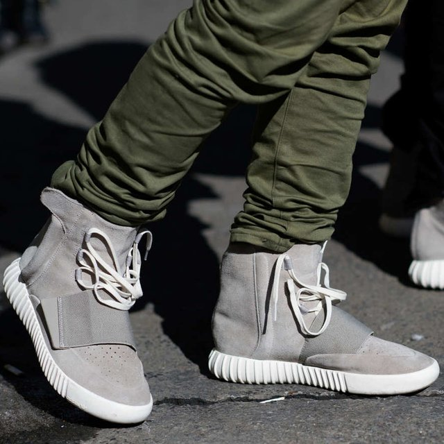 check out 2efe8 1cdfe Drop Date: Adidas x Kanye West 750 Boost (Canadian Release ...